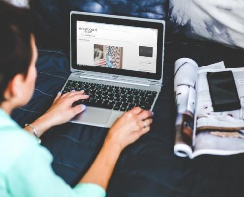 technology-laptop-woman-girl-hands-work-working