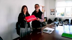 Nuestra compañera Carmen Posse entrega el proyecto
