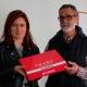Carmen Posse entrega la memoria del proyecto a Manuel Conde